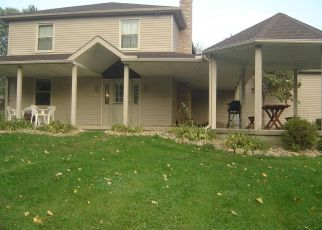 Pre Foreclosure in Uniontown 44685 SPRINGWATER AVE NW - Property ID: 1338821411