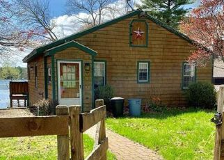 Pre Foreclosure in Chepachet 02814 LAKE VIEW DR - Property ID: 1339348741