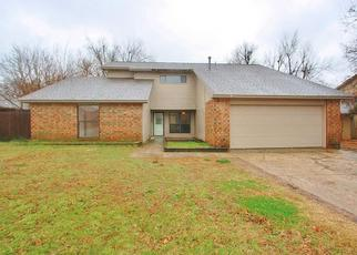 Pre Foreclosure in Norman 73071 WHITEOAK CIR - Property ID: 1340101162