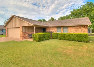 Pre Foreclosure in Norman 73071 HIGH TRAIL RD - Property ID: 1340121314