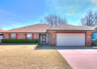 Pre Foreclosure in Edmond 73013 TANGLEWOOD DR - Property ID: 1340123511