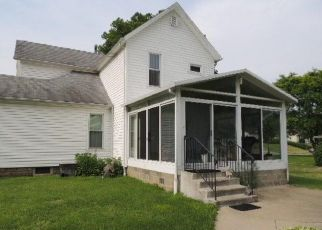 Pre Foreclosure in Coshocton 43812 W CHESTNUT ST - Property ID: 1340262343