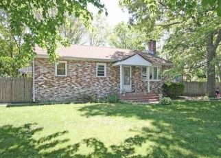 Pre Foreclosure in Patchogue 11772 MORRIS AVE - Property ID: 1340598715
