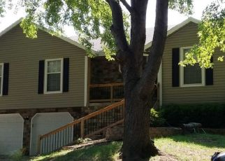 Pre Foreclosure in Blue Springs 64014 NE REMINGTON CT - Property ID: 1340847933