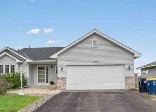 Pre Foreclosure in Northfield 55057 COUNTRY VIEW DR - Property ID: 1340986312