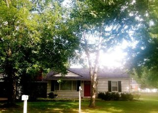 Pre Foreclosure in Utica 48317 GREENVIEW RD - Property ID: 1341055969