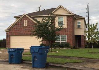 Pre Foreclosure in Houston 77049 LIVE OAK GREEN CT - Property ID: 1341687512