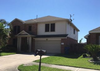 Pre Foreclosure in Houston 77049 HIDDEN CREST DR - Property ID: 1341710733