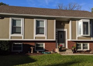 Pre Foreclosure in Hobart 46342 CROWSNEST DR - Property ID: 1341731756