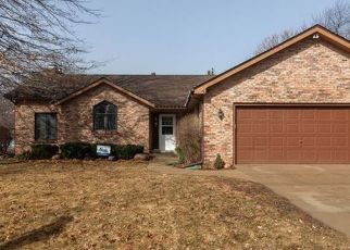 Pre Foreclosure in Yorkville 60560 MCHUGH RD - Property ID: 1341969119