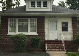 Pre Foreclosure in East Orange 07017 BRIGHTON AVE - Property ID: 1342899387