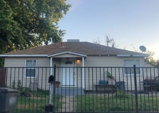 Pre Foreclosure in Sacramento 95833 PERALTA AVE - Property ID: 1343362772