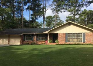 Pre Foreclosure in Decatur 35603 LONGBOW DR SW - Property ID: 1344093749