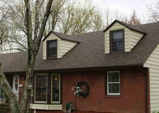 Pre Foreclosure in Rockford 61108 OAK GROVE LN - Property ID: 1344187918