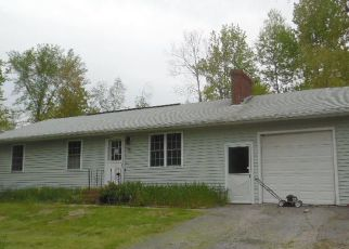 Pre Foreclosure in Lisbon Falls 04252 FROST HILL AVE - Property ID: 1344670106