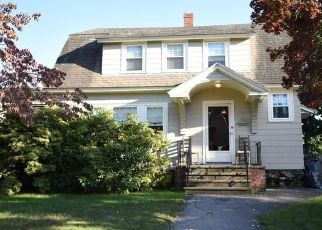 Pre Foreclosure in Methuen 01844 SUNSET AVE - Property ID: 1344764722