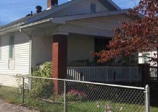 Pre Foreclosure in Evansville 47711 E PARKLAND AVE - Property ID: 1344922839