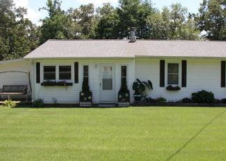 Pre Foreclosure in Winchester 37398 MYERS RD - Property ID: 1345052467