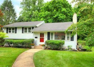 Pre Foreclosure in Trenton 08638 WOODHAMPTON DR - Property ID: 1346065502