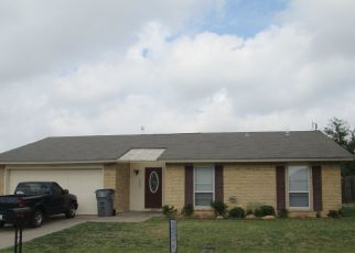 Pre Foreclosure in Lawton 73507 NE BELLEVUE CIR - Property ID: 1346388281