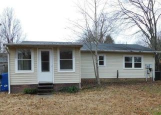 Pre Foreclosure in High Point 27263 COLUMBUS AVE - Property ID: 1346948457