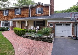 Pre Foreclosure in East Islip 11730 BAYVIEW AVE - Property ID: 1347055767