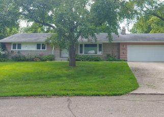 Pre Foreclosure in Hopkins 55305 RUTLEDGE CIR - Property ID: 1347741635