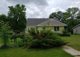 Pre Foreclosure in Olivia 56277 E WALNUT AVE - Property ID: 1347758262