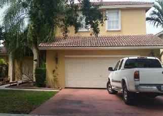 Pre Foreclosure in Miami 33196 SW 150TH TER - Property ID: 1348079300