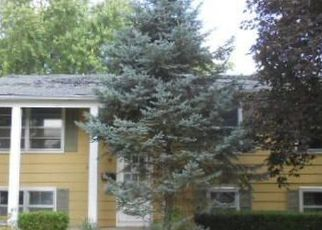 Pre Foreclosure in Woodstock 60098 W MELODY LN - Property ID: 1348203694