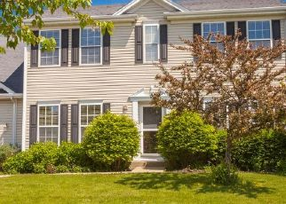 Pre Foreclosure in Crystal Lake 60012 SPRING RIDGE DR - Property ID: 1348209831