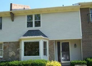 Pre Foreclosure in Louisville 40223 CADY COVE CT - Property ID: 1348919339