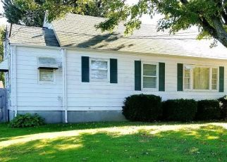 Pre Foreclosure in Louisville 40291 GLASER LN - Property ID: 1348940807