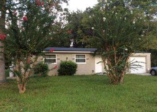 Pre Foreclosure in Jacksonville 32208 FLECHETTE AVE - Property ID: 1349130445