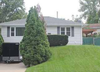 Pre Foreclosure in Dubuque 52001 GREEN ST - Property ID: 1349195254