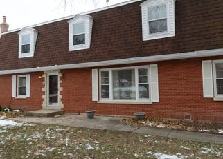 Pre Foreclosure in Bloomingdale 60108 ERIE CIR - Property ID: 1349853987