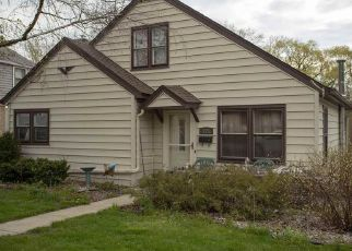 Pre Foreclosure in Watertown 53094 RIVERLAWN AVE - Property ID: 1350947149