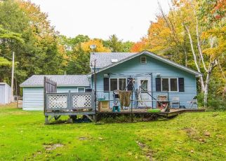 Pre Foreclosure in Gardiner 04345 RIDEOUT LN - Property ID: 1351326895