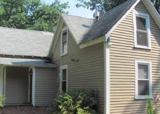 Pre Foreclosure in Fitchburg 01420 SHATTUCK ST - Property ID: 1351342653