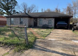 Pre Foreclosure in Memphis 38127 LISA AVE - Property ID: 1351523534