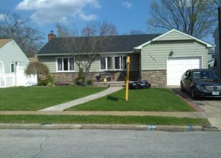 Pre Foreclosure in Merrick 11566 AMSTERDAM AVE - Property ID: 1353149737