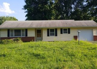 Pre Foreclosure in Oak Grove 64075 SW 19TH ST - Property ID: 1353866698