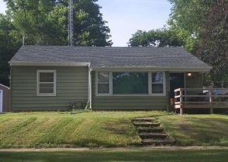 Pre Foreclosure in Albert Lea 56007 GILES PL - Property ID: 1353937196