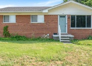 Pre Foreclosure in Mount Clemens 48043 MULLIGAN DR - Property ID: 1354034436
