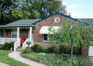 Pre Foreclosure in Saint Clair Shores 48081 LITTLE MACK AVE - Property ID: 1354066859