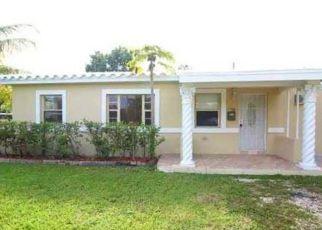 Pre Foreclosure in Miami 33162 NE 159TH ST - Property ID: 1354259561