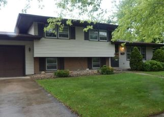 Pre Foreclosure in Lansing 60438 RIDGEWOOD AVE - Property ID: 1354594160