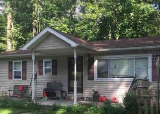Pre Foreclosure in Spencer 47460 S HILLTOP DR - Property ID: 1354660750