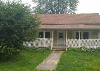 Pre Foreclosure in Marshall 62441 CHERRY ST - Property ID: 1354717232