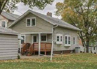 Pre Foreclosure in Cedar Rapids 52404 19TH AVE SW - Property ID: 1354925271
